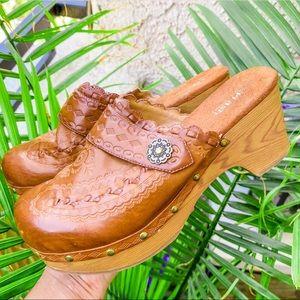 Vintage brown leather wooden mule clogs
